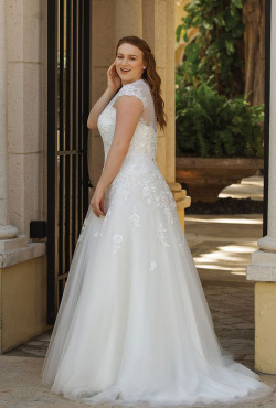 Plus Size Autumn 2018_Blush Bridal