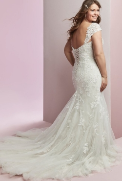 Plus Size Autumn 2018_Blush Bridal12