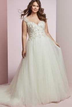 Plus Size Autumn 2018_Blush Bridal13