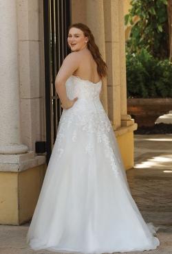 Plus Size Autumn 2018_Blush Bridal8