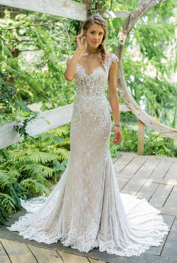 Justin-Alexander_Blush-Bridal_Feb2019
