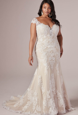 PLUS-SIZE_Blush-Bridal_Feb20206